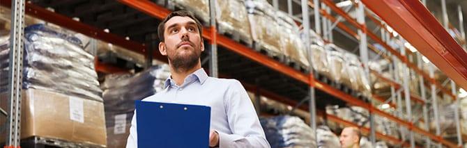 man at warehouse b2b market